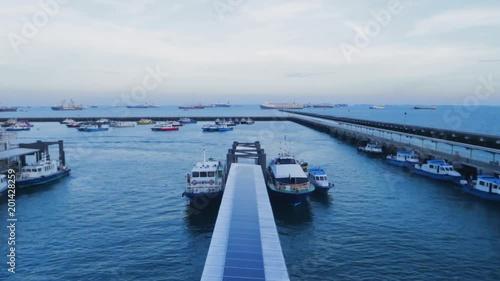 Obraz na płótnie Boat harbour departing and arriving