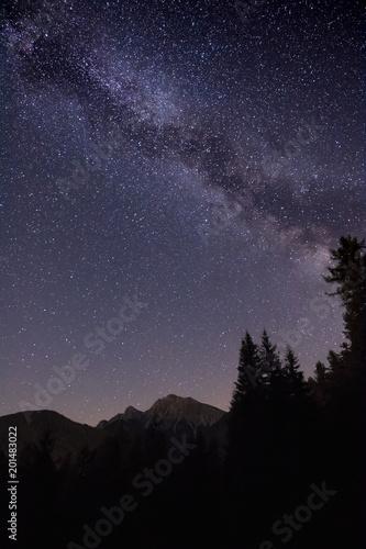 Fotobehang Aubergine Fantastische Milchstraßen Galaxie und Sterne in Südtirol_001