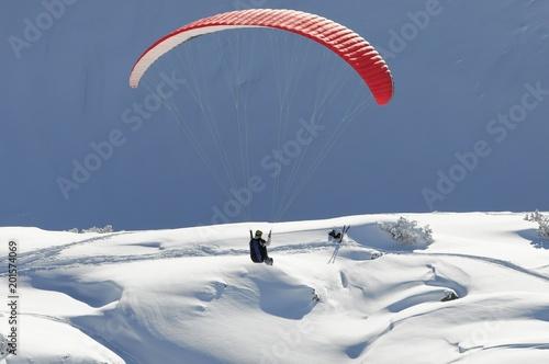 Gleitschirmflieger beim Nebelhorn, 2224m, Oberstdorf, Oberallgäu, Bayern, Deutschland, Europa - 201574069
