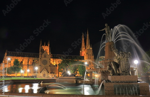 Plexiglas Sydney Hyde park night cityscape Sydney Australia