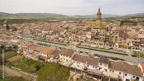 Foto Murales Puente de la Reina village in Navarre province, Spain