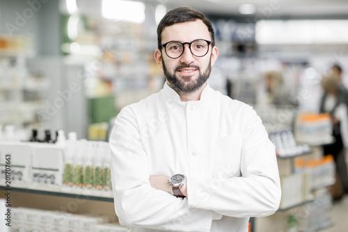 Foto Murales Pharmacist portrait in the pharmacy store