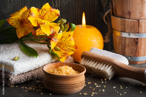 Foto Murales SPA organic products with flowers, bath salt