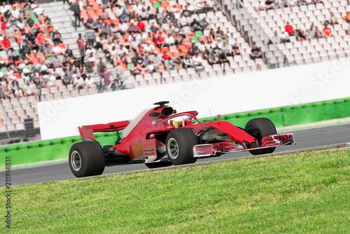 Fotobehang F1 Formel Rennwagen vor Publikumstribüne