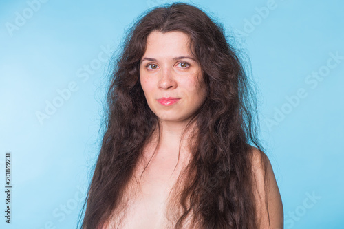 Portrait of beautiful nude woman on blue background - 201869231