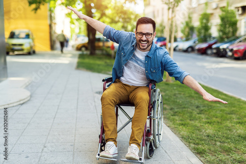Foto Murales Man in a wheelchair