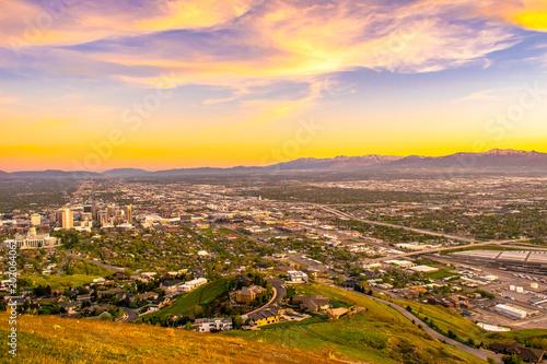 Fotobehang Oranje Beautiful Sunset in Salt Lake City, Utah