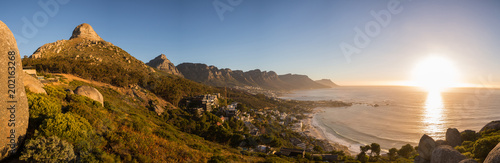 Foto Murales View of Lions Head and the Twelve Apostles at sunset in Cape Town