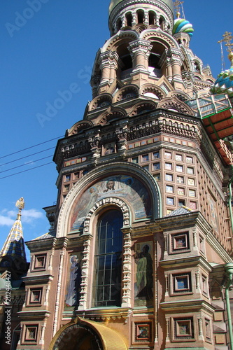 Attractions of the Orthodox religious architecture of the 19th century on the central streets of St. Petersburg.
