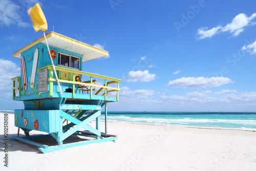 Leinwanddruck Bild Lifeguard hut in South Beach, Florida