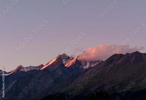 Fotobehang Lavendel mountain on fire