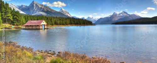 Plexiglas Canada Maligne Lake in Jasper natioanal park, Alberta, Canada