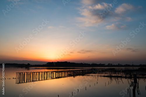 桟橋と夕焼け