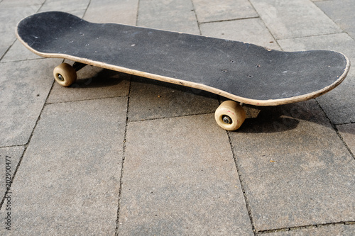Plexiglas Skateboard skateboard auf dem schulhof