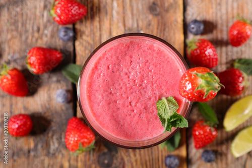 Plexiglas Milkshake berry fruit smoothie or milkshake