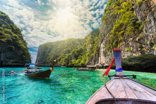 Plexiglas Thailand Traditional boat on the sea in Phi Phi Lee region of Losama Bay in Thailand