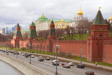 A cloudy April day near the walls of the Moscow Kremlin