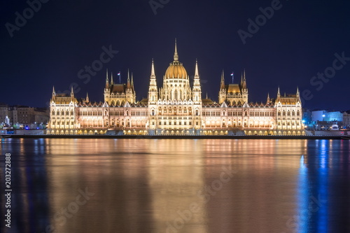 Canvas Boedapest Hungarian Parliament Building at night, Budapest, Hungary
