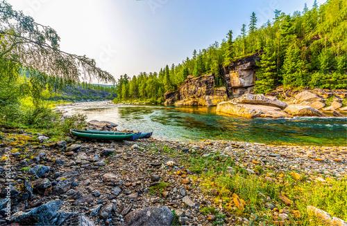Aluminium Bergrivier Mountain forest river boat landscape