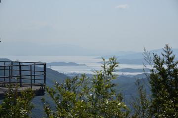 日本の岡山の山の景色