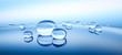 Leinwanddruck Bild - Wassertropfen auf blauer Spiegelung