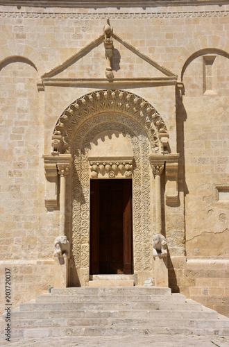 Włochy, Basilicata, Matera, miasto kamieni, dziedzictwo UNESCO, stolica kultury europejskiej 2019. Katedra Maria della Bruna. Szczegóły fasad.