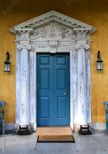 obraz starych drzwi antyczne
