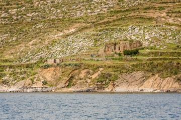 inca ruins at the isla de sol in Bolivia © Agota