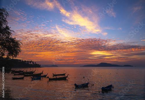 Aluminium Zonsopgang Beautiful sky during sunrise at Rawai beach