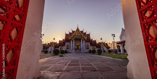 Foto Murales View from Watbenchamabophit  , Beautiful temple at Bangkok thailand