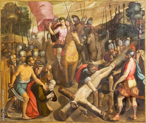ZARAGOZA, Hiszpania - 3 marca 2018: Ukrzyżowanie Świętego Piotra w kościele Iglesia de San Pablo Antonio Glacerana i Jeronimo de Mora (1596).