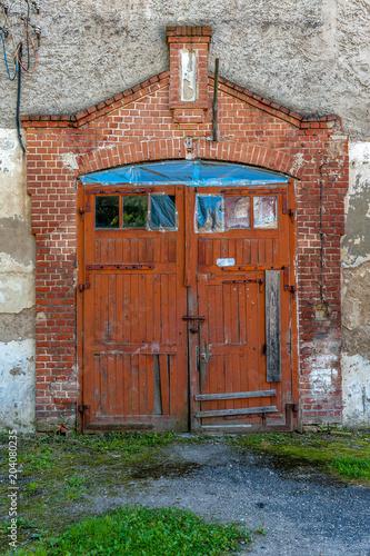 stara brawa wejściowa do stodoły