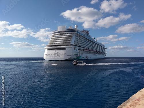 cruise ship; passenger ship; water transportation; ship; ocean liner; sea; watercraft