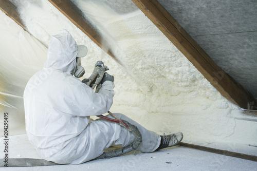 natryskowa pianka poliuretanowa na dach