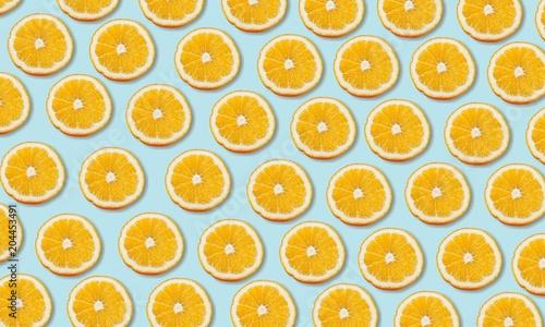 Pomarańczowy.