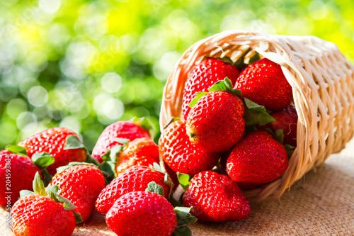 Foto Murales strawberries in natural background