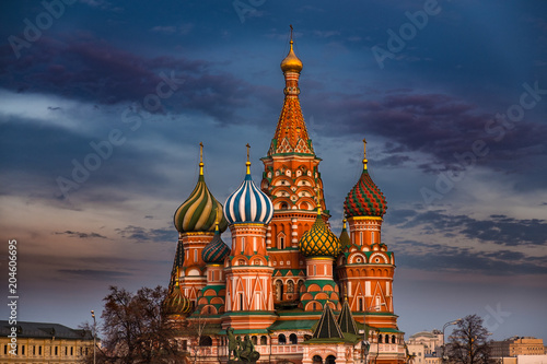 Plexiglas Moskou Saint Basil's Cathedral on Red Square, Moscow, Russia at sunset with dark colorful sky above