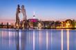 Leinwanddruck Bild - Blick über die Spree mit Molecule Man und Skyline von Berlin