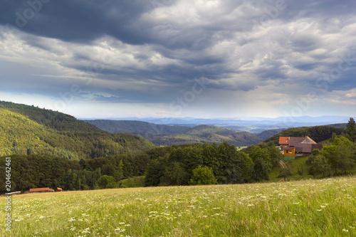 Landschaft Südbaden - dunkle Wolken