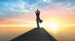 Quadro Yoga - Sonnengruß im Sonnenaufgang