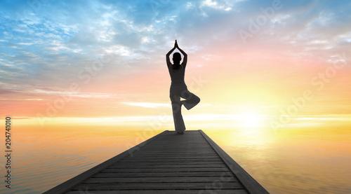 Aluminium School de yoga Yoga - Sonnengruß im Sonnenaufgang