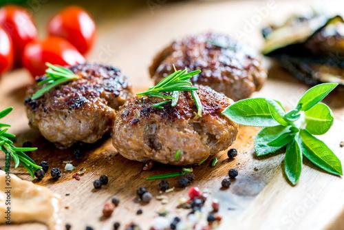Leinwanddruck Bild Barbecue - Grillen - Fleisch - Catering - Buffet