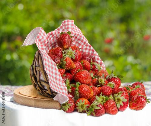 Foto Murales Strawberries in basket