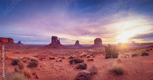 Canvas Arizona Panoramic landscape view of Monument valley at sunrise, Utah