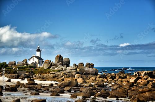 Fotobehang Vuurtoren Pontusval, Brittany, the little lighthouse