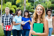 Junge Studentin im Auslandssemester