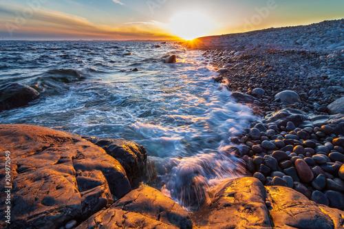 Aluminium Zee zonsondergang Rocky beach