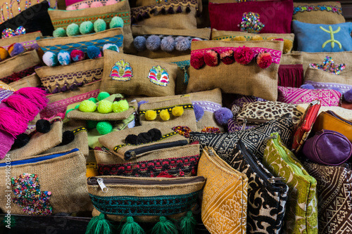 Plexiglas Marokko Pillows in Moroccan souk