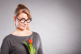 Beauty woman with tulip flower. - 205105612