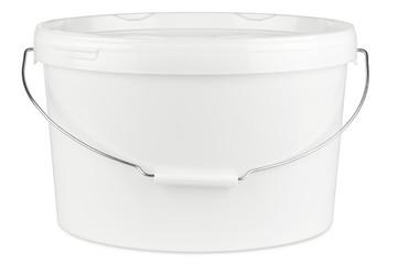 new white paint bucket isolated on white background / Farbeimer neu isoliert auf hintergrund weiß